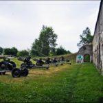 Оружейная выставка во дворе 5 форта