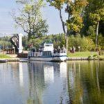 Кораблик на Августовском канале