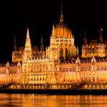 Парламент Венгрии ночью