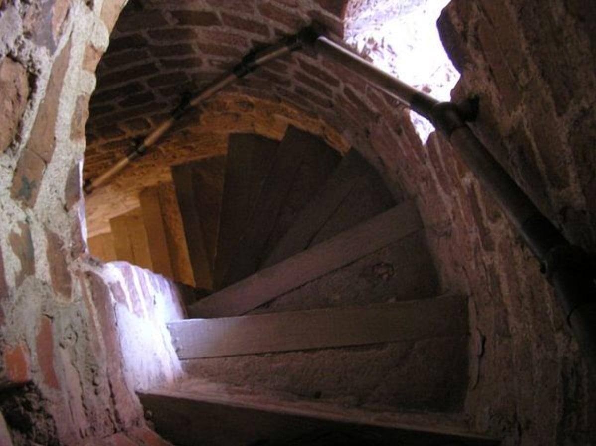 Несвижский замок, винтовая лестница