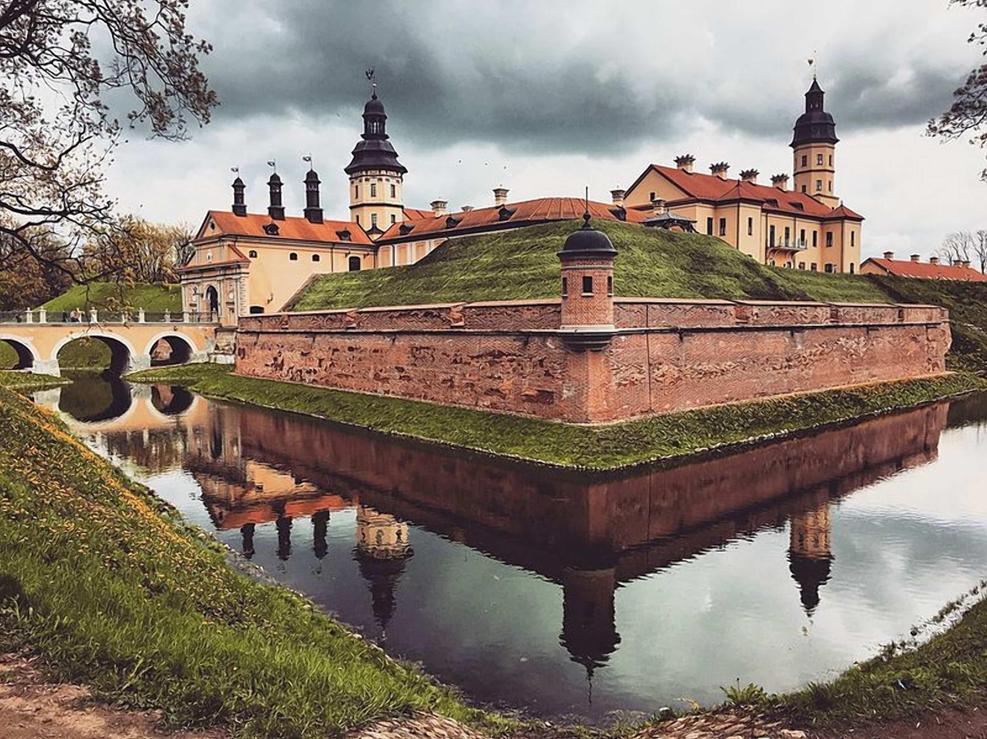 Несвижский замок вид сбоку