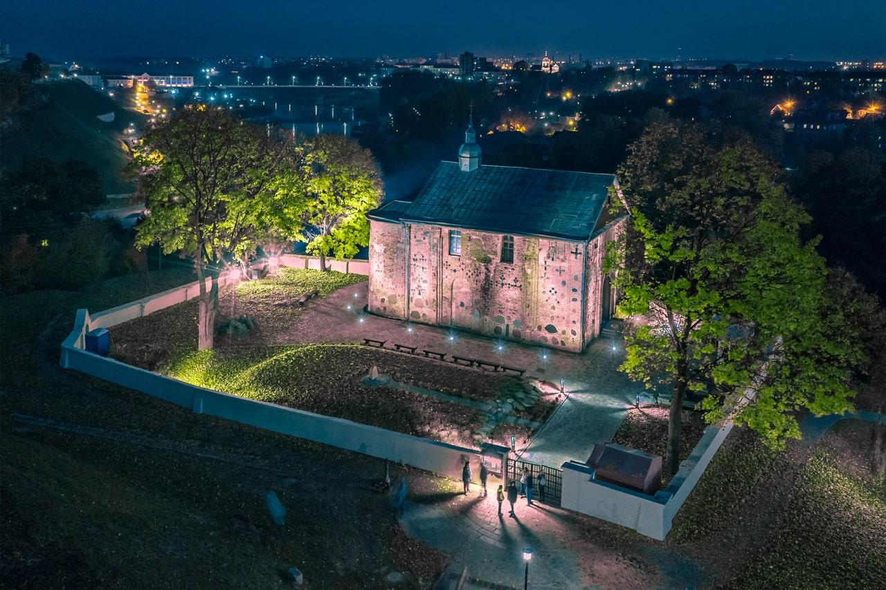 Коложская церковь в Гродно ночью