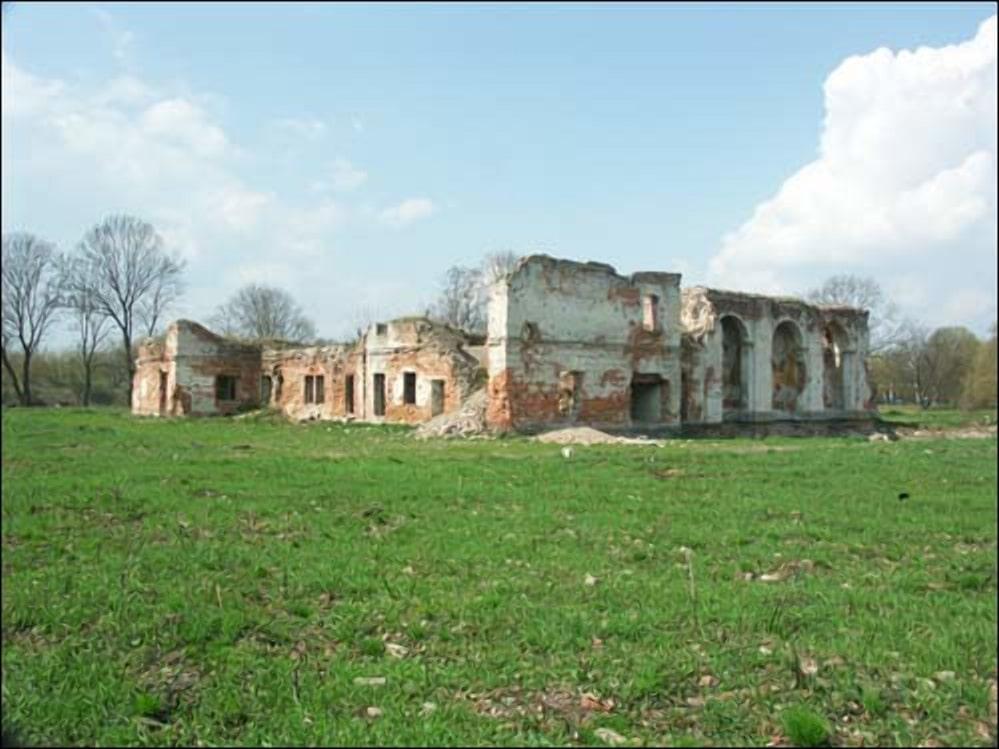 Остатки монастыря Бернардинок