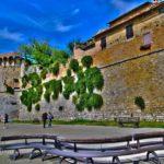 Стена замка в Италии