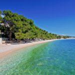Узкий пляж в Хорватии
