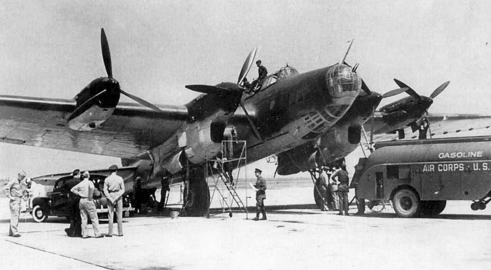 Самолет ПЕ-8 перевозчик золота во время войны