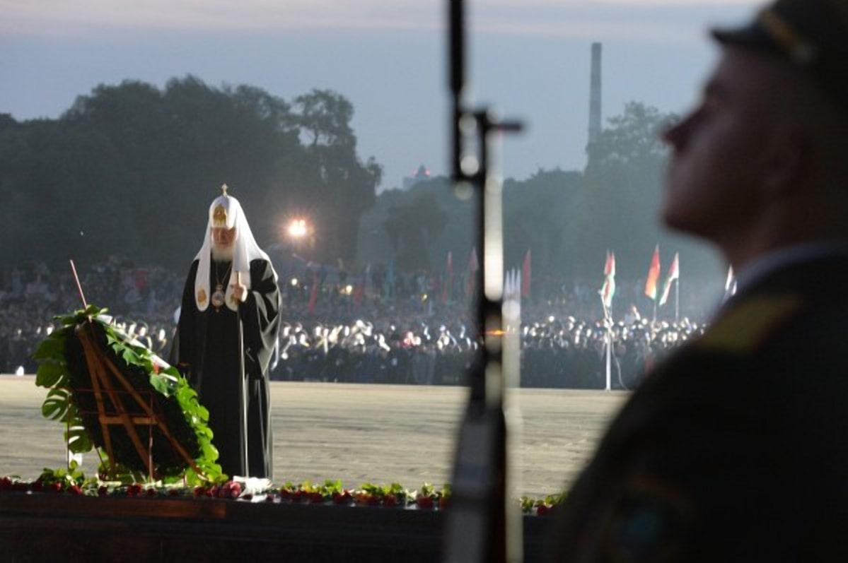 Патриарх Кирилл на митинге