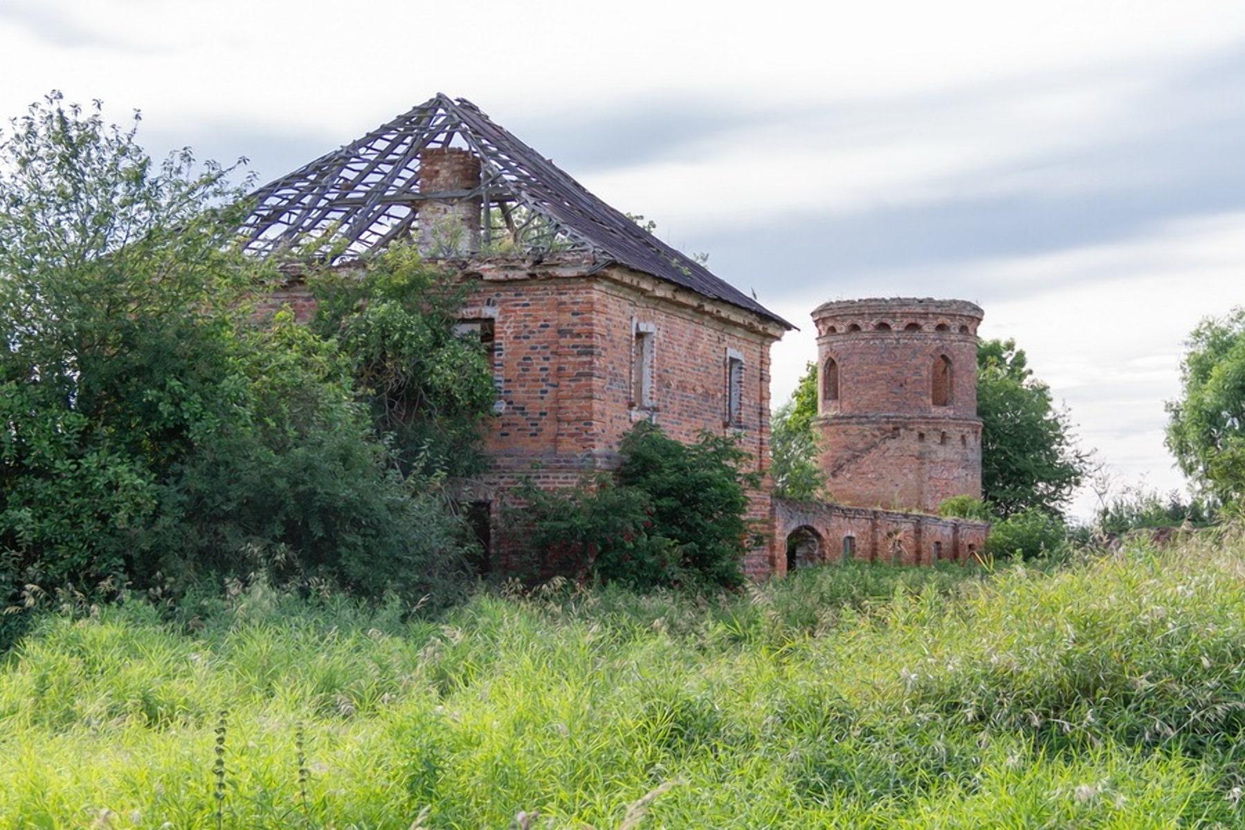 Остатки усадьбы Хрептовича в Щорсах