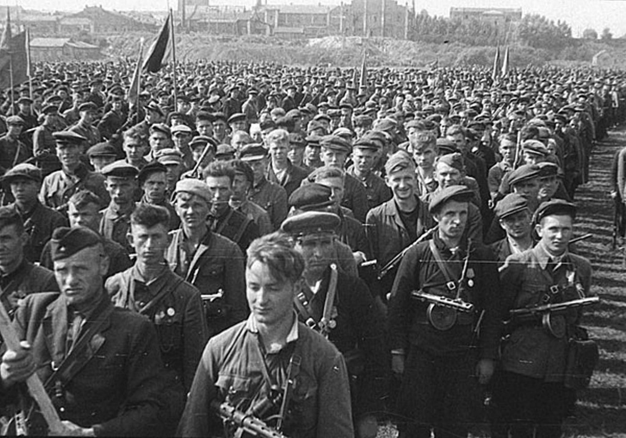 Парад партизан в Минске в 1944 году