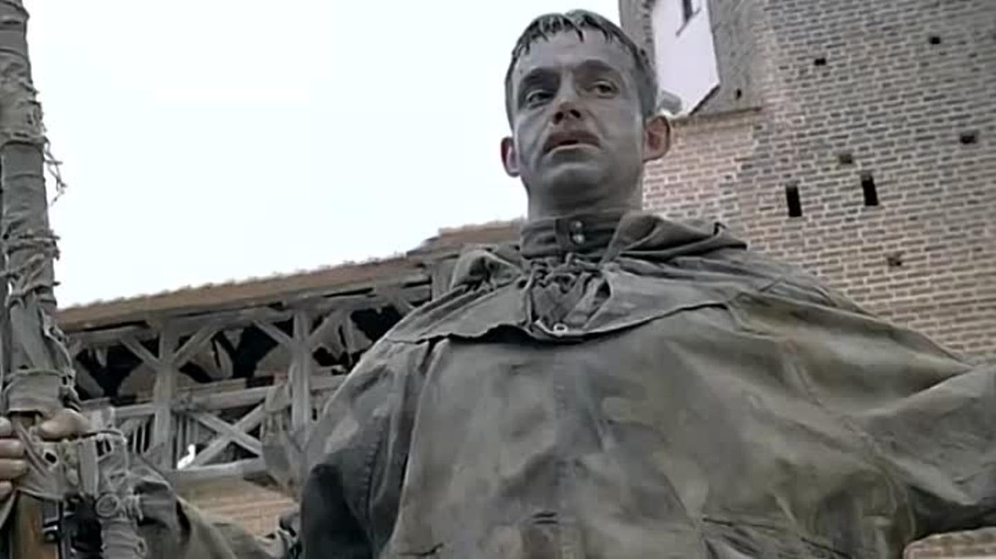 Снайпер снимался в Мирском замке