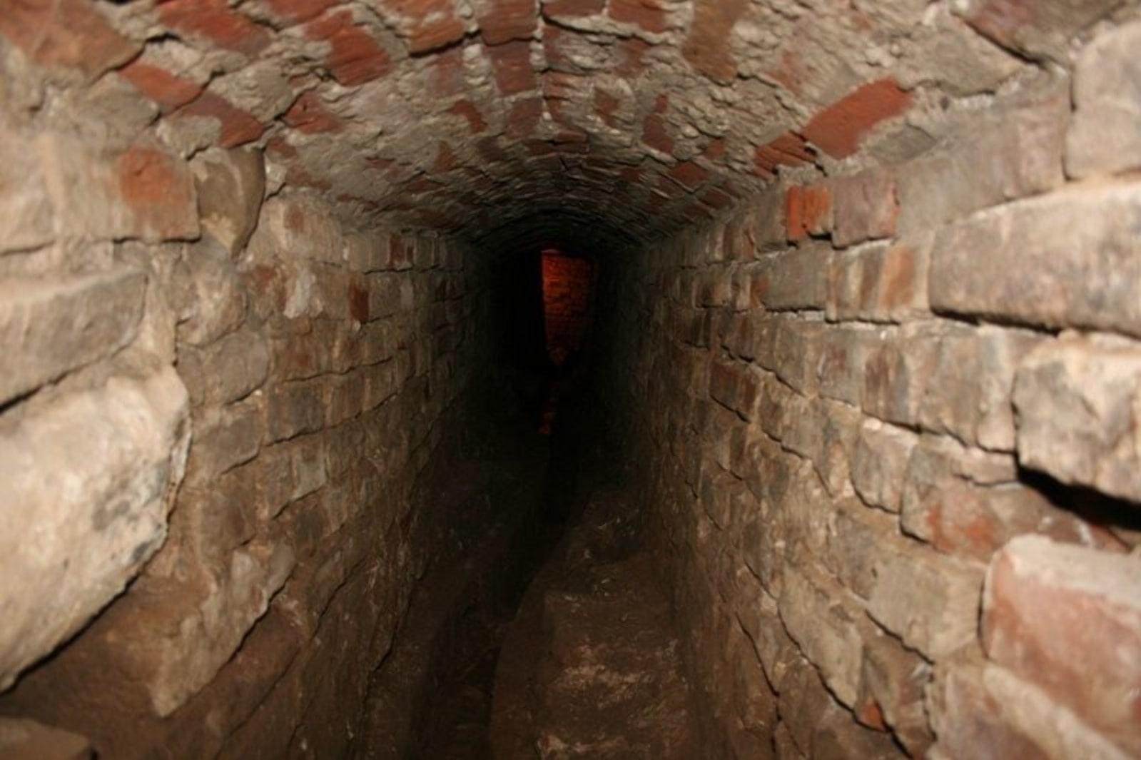 Иезуиты оборудовали подземелья по всепй Европе