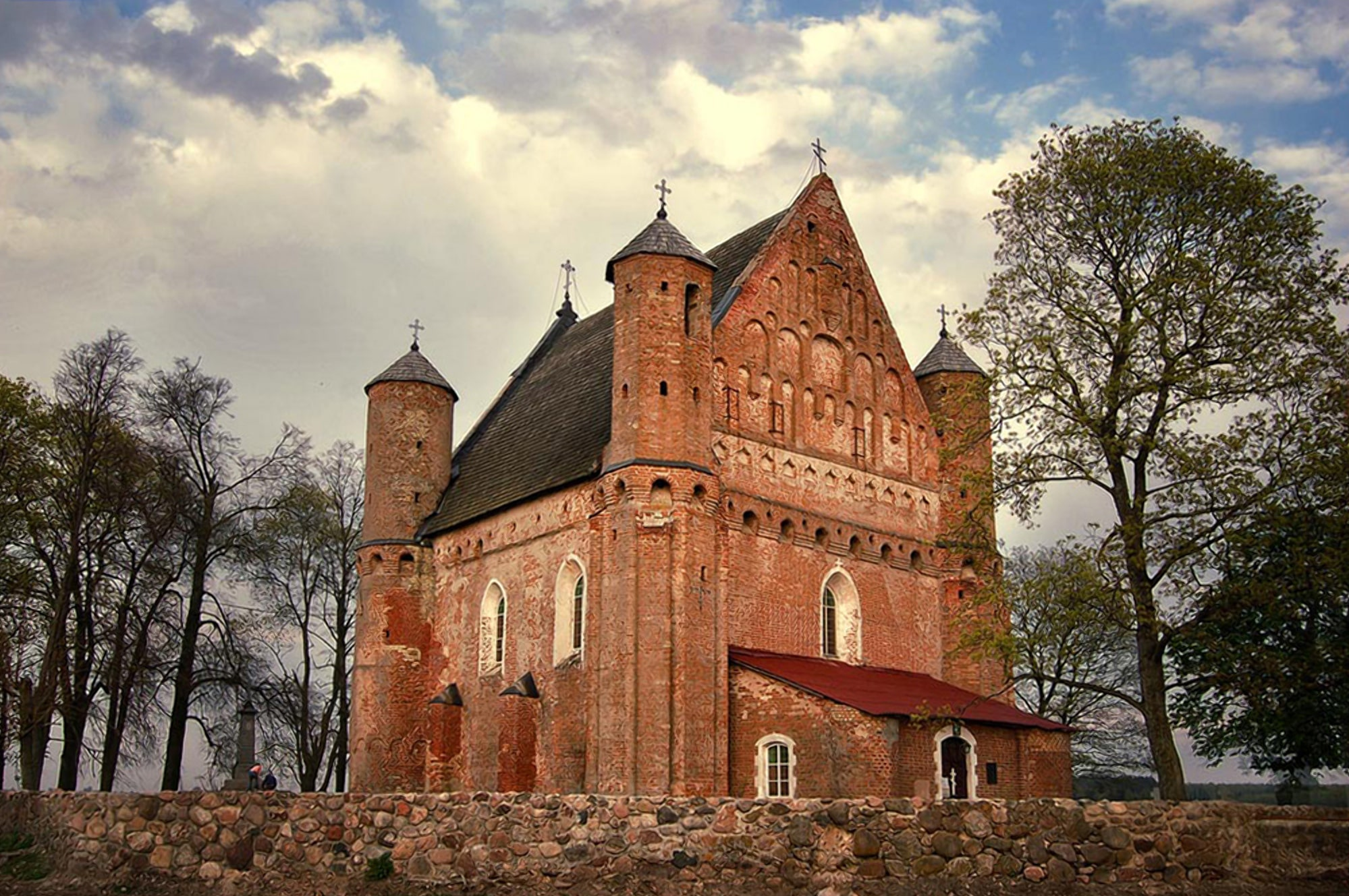 Перестроенное в церковь командорство тамплиеров в Сынковичах