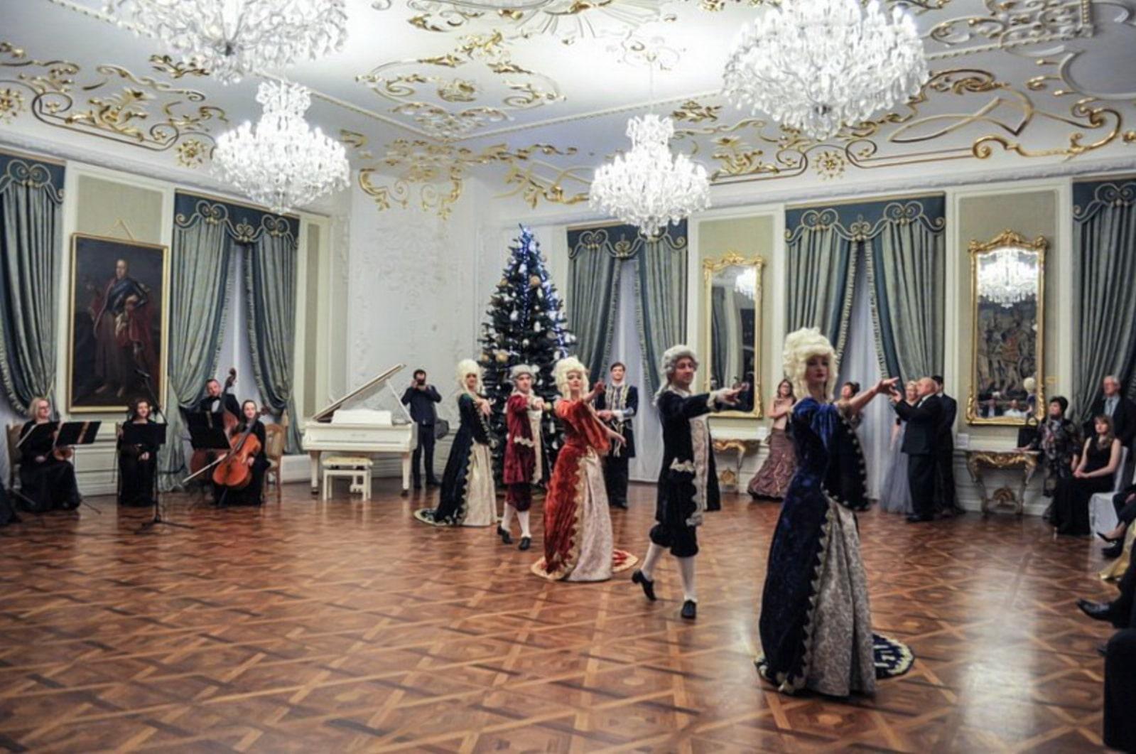 Новогодние балы в белорусских замках