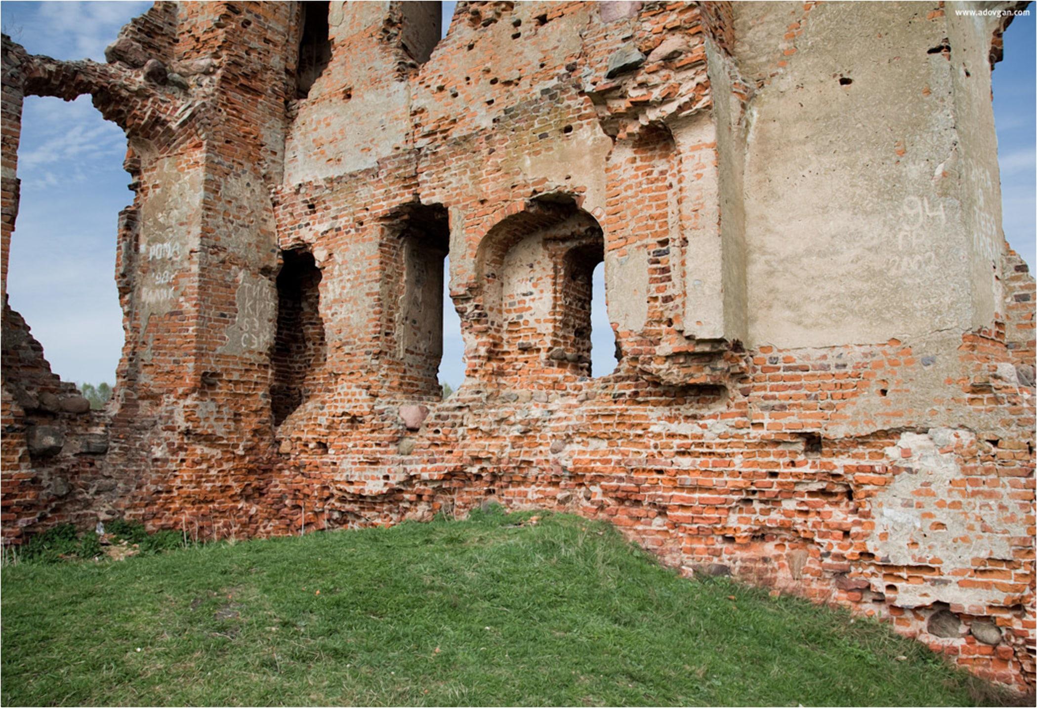 Руины смолянского замка