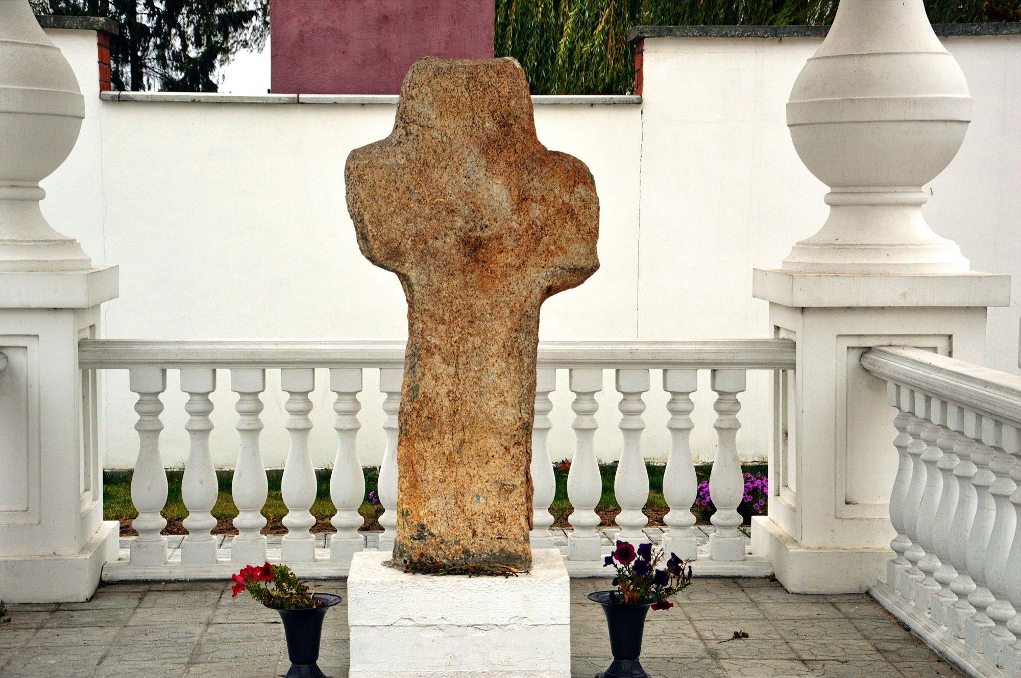 Туровские кресты вырезаны из необычного камня