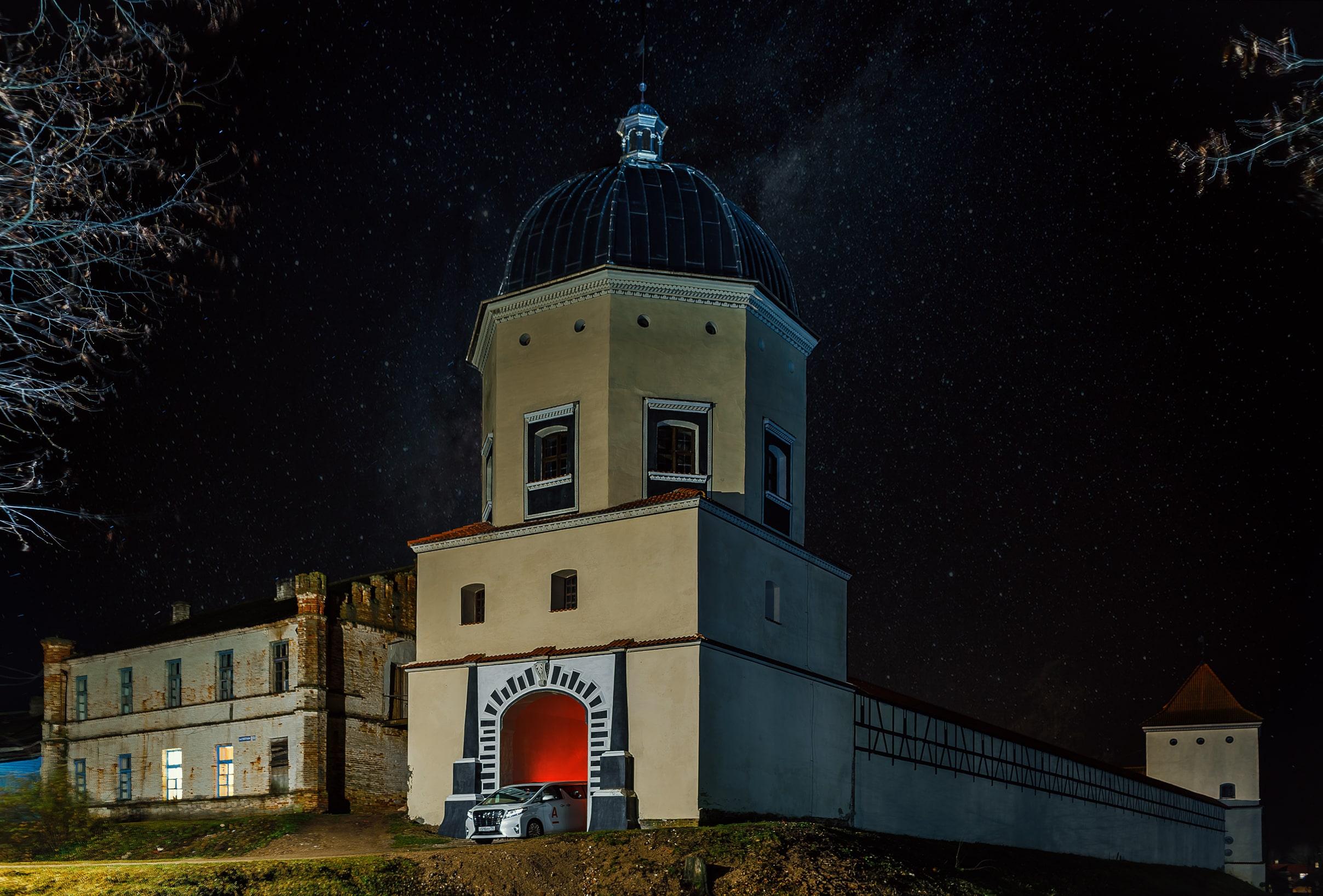 Романтический замок в Любче