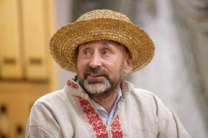 Соломенная шляпа и вышиванка подойдут в качестве сувениров