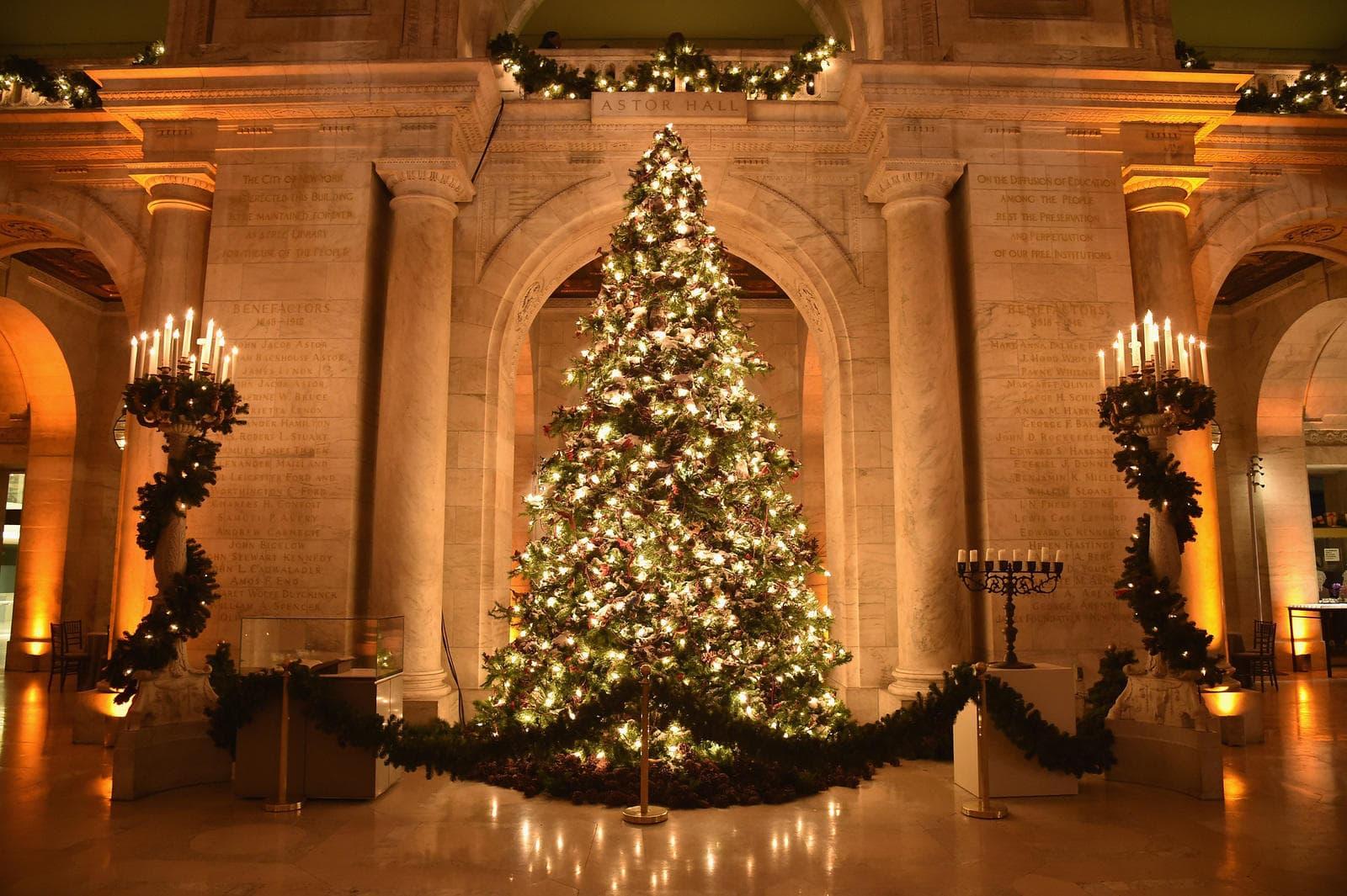 Ель - это рождественский символ