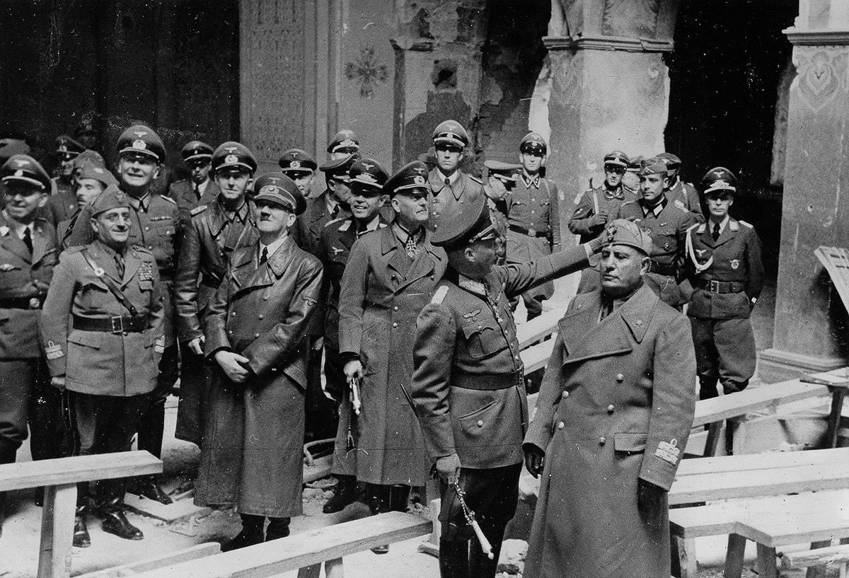 Гитлер в нынешнем Свято-Николаевском соборе
