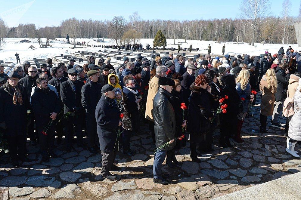 Хатынь - один из главных мемориалов Беларуси