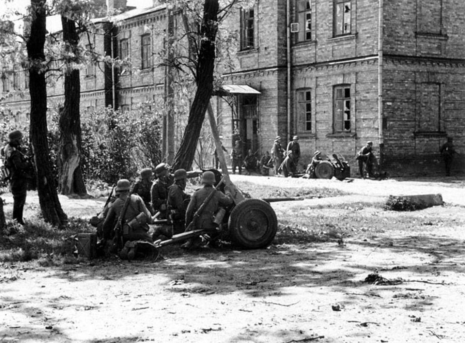 Атака Брестского Вокзала с северной окраины города