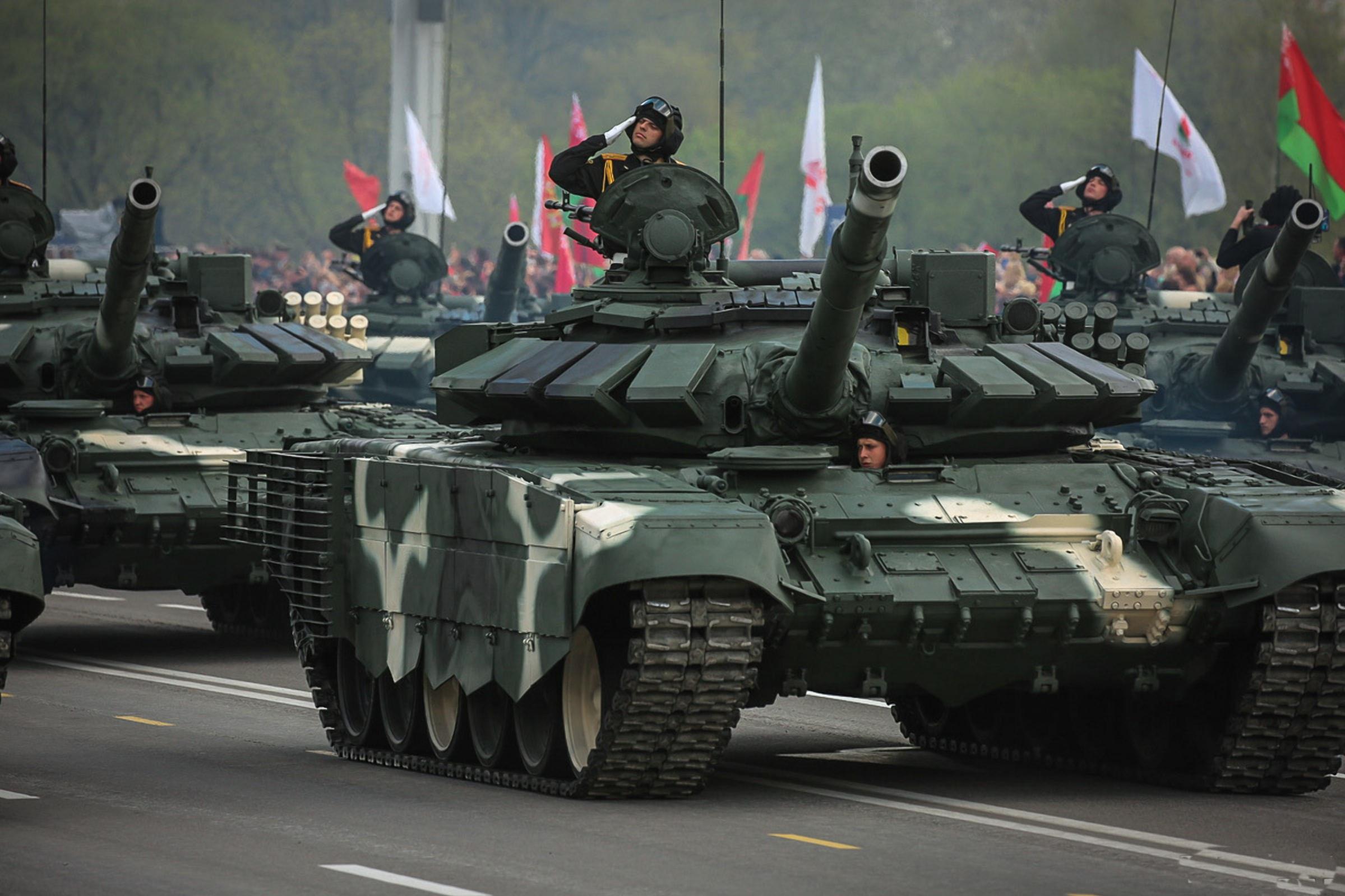 Танки на параде 9 мая в Минске