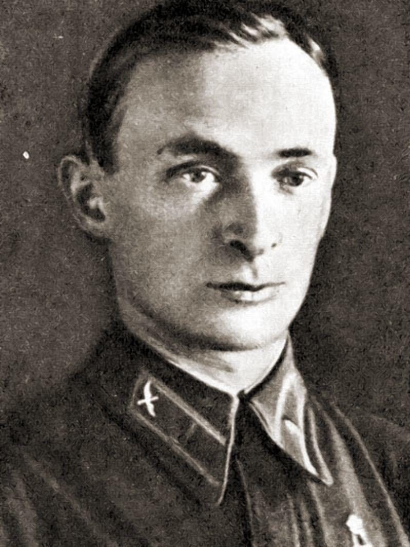 Борис Сурин - командир истребительного полка прикрывавшего Брест