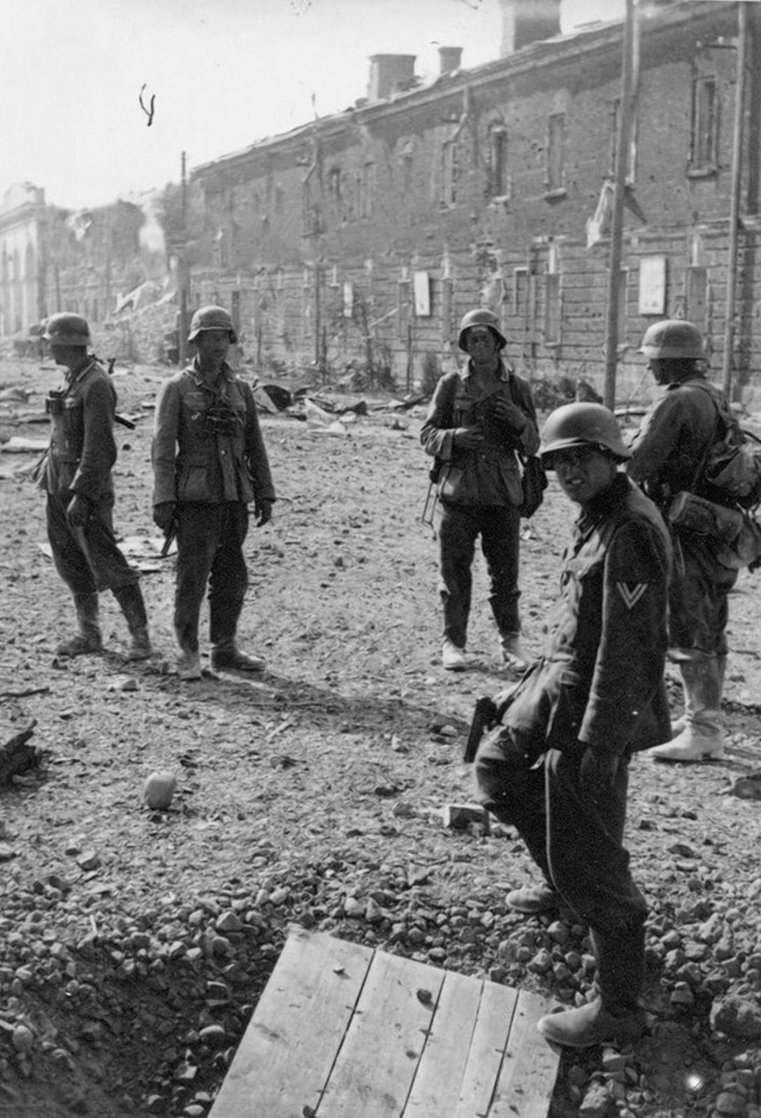 Гитлеровцы могли наткнуться на сопротивление в любом уголке города