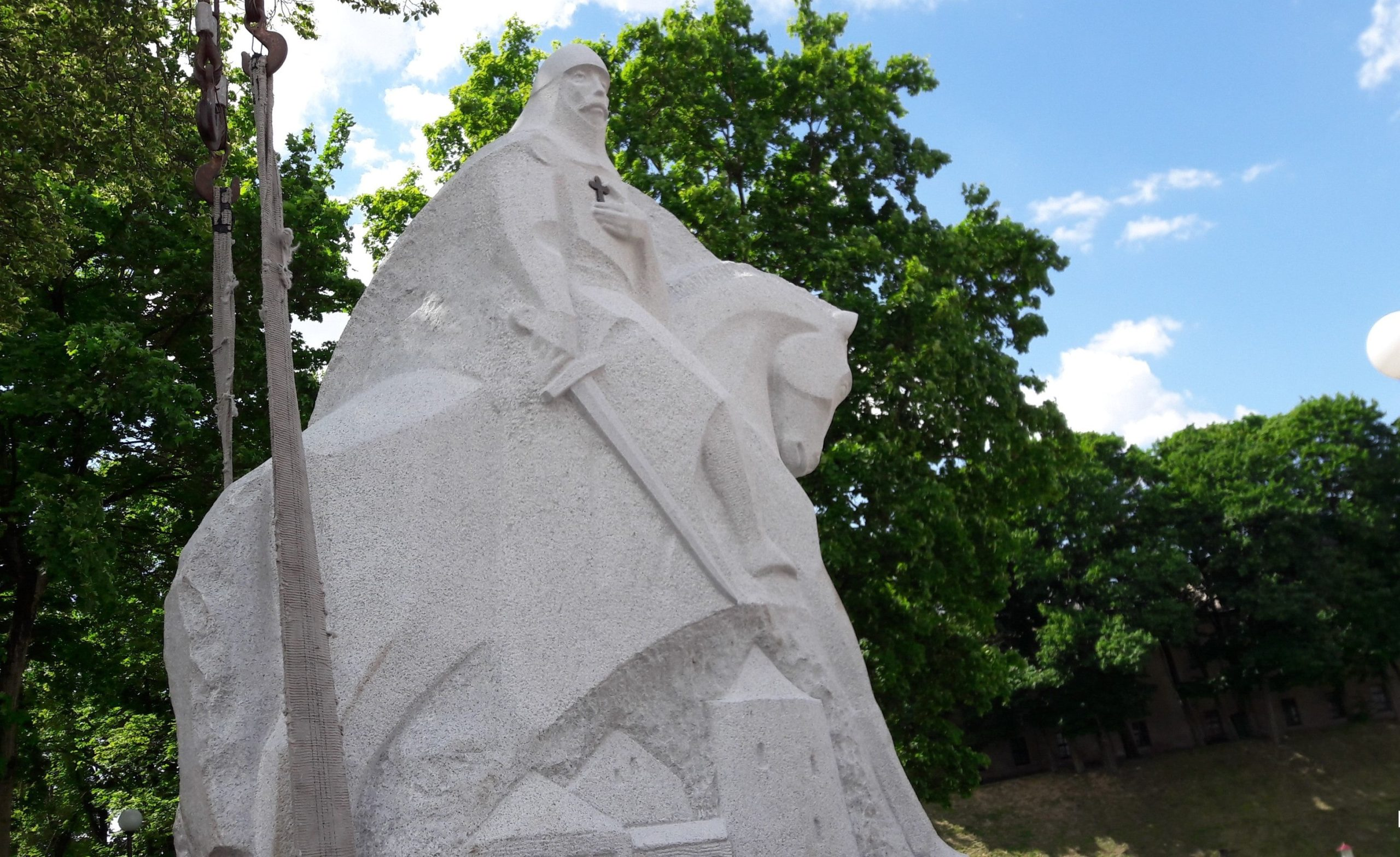 Памятник Давыду Гродненскому в Гродно
