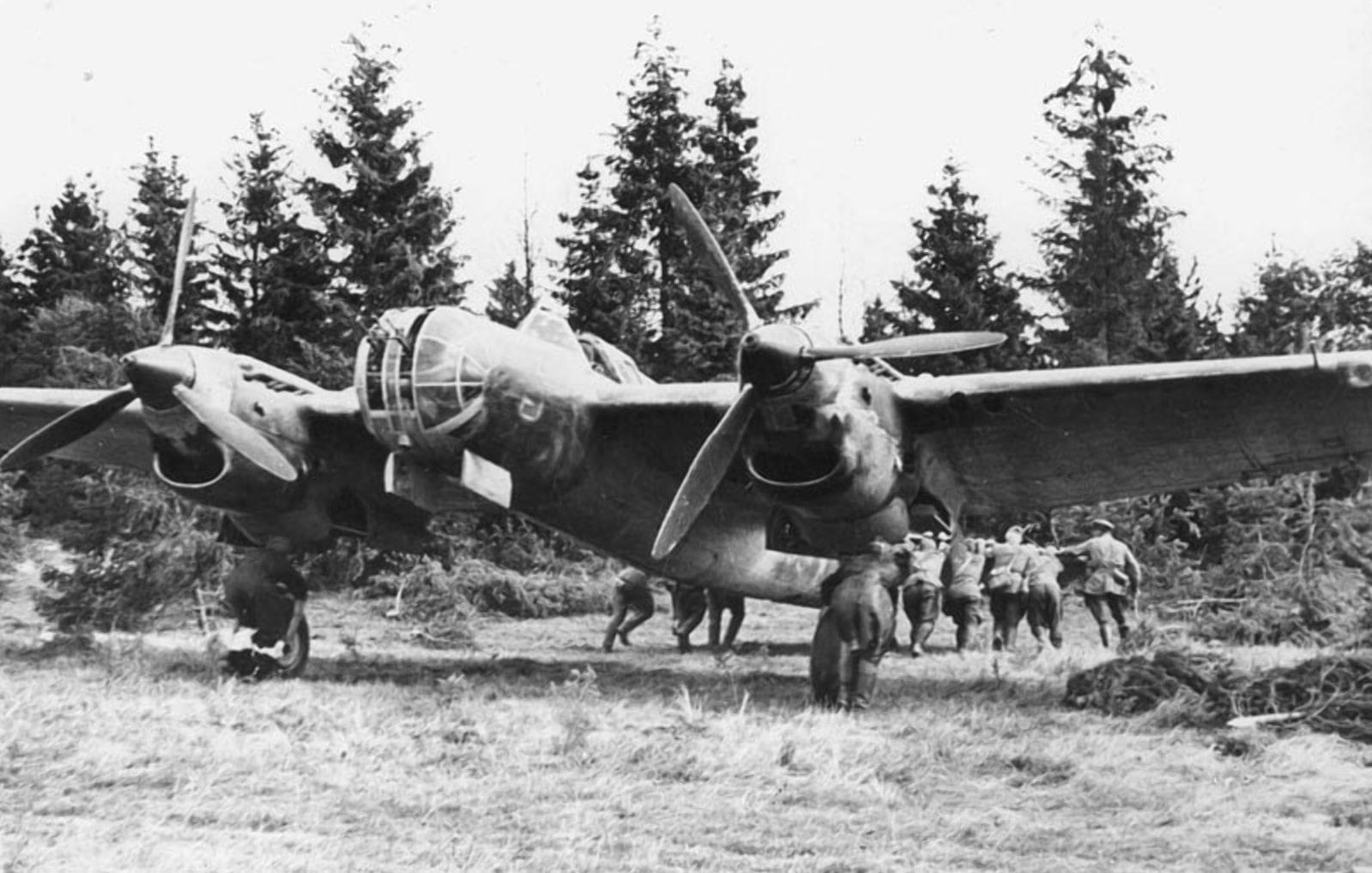 Укрытия и ангары для самолетов были редкостью
