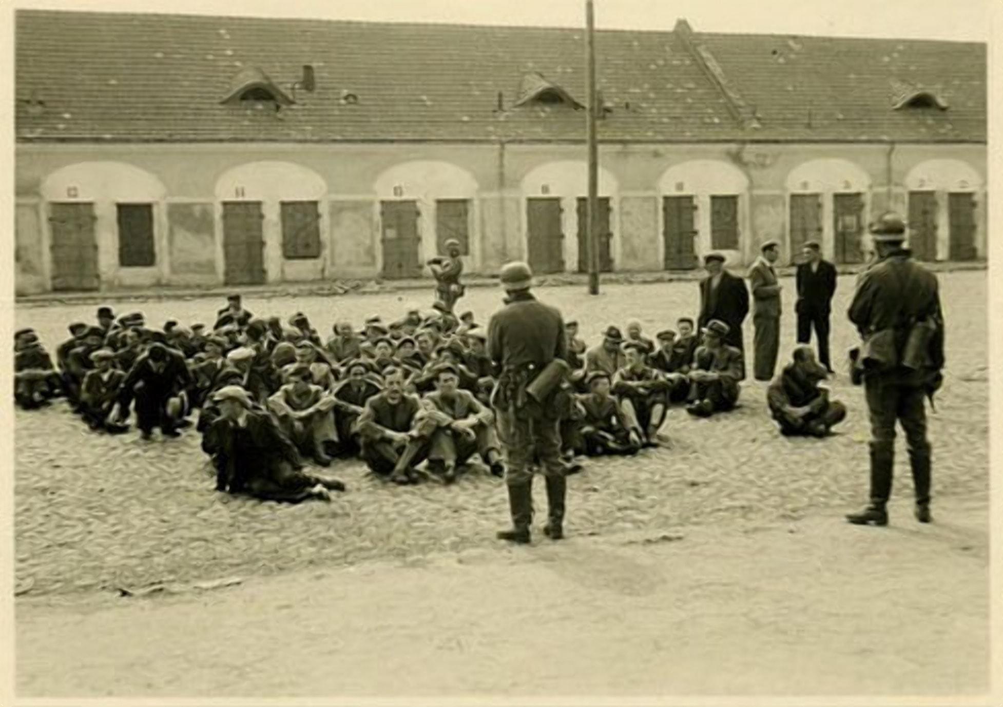 Немцы задерживали бывших заключенных у Гостинного Двора