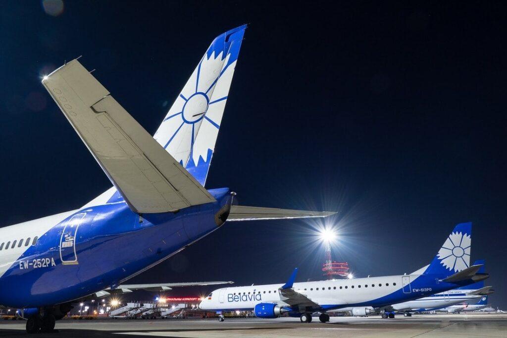 Самолеты в ожидании рейсов