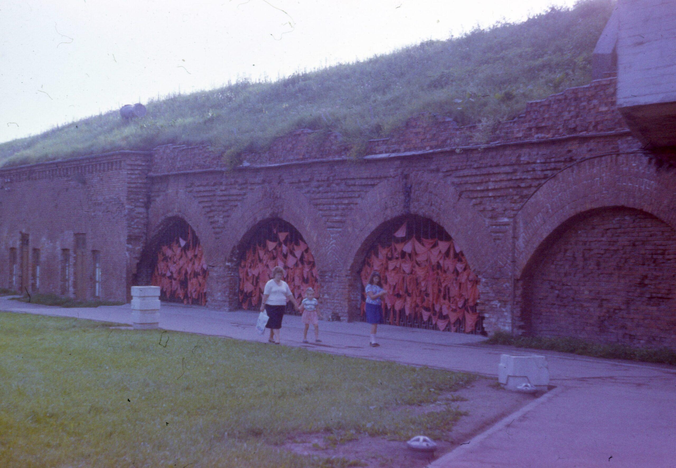 Казематы Восточного вала в 1984 году