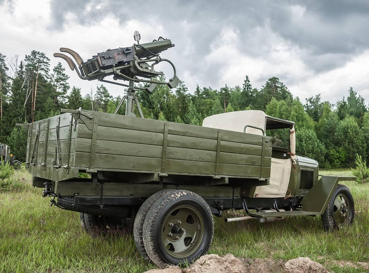 Счетверенная пулеметная установка спасла артиллеристов