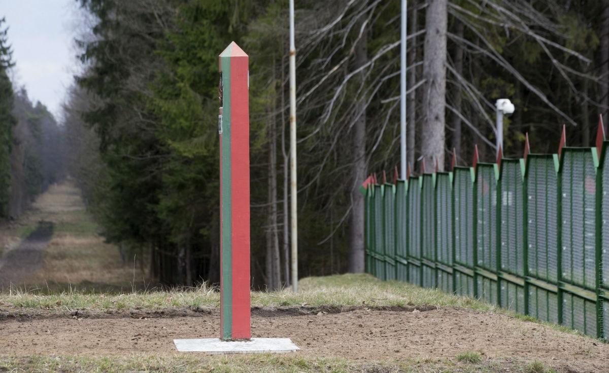 Беларусь закрыла границу, но россияне могут ездить