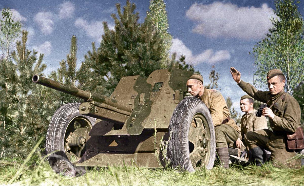Бойцы артиллеристы действовали на валах и под землей