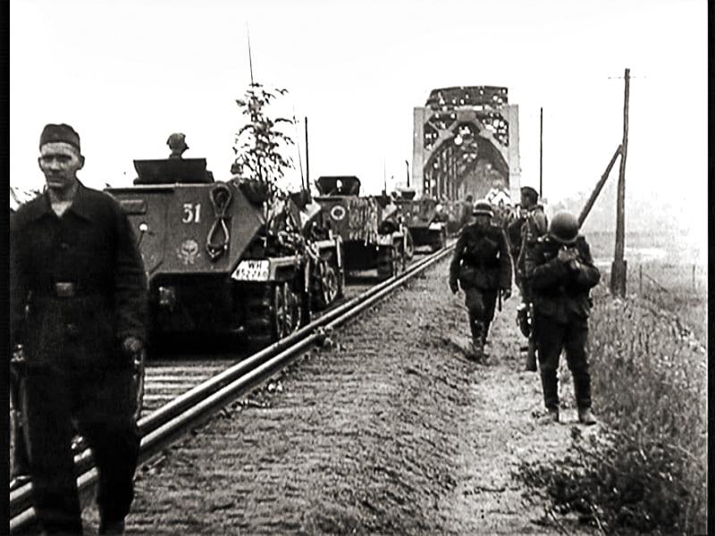 Важность стратегических мостов была чрезвычайная.