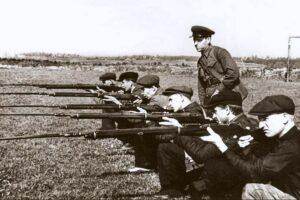 Истребительные отряды в Бресте - один из элементов охраны границы
