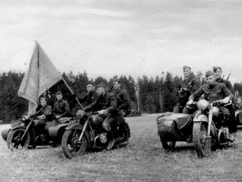 Число мотоциклов в полку увеличивалось