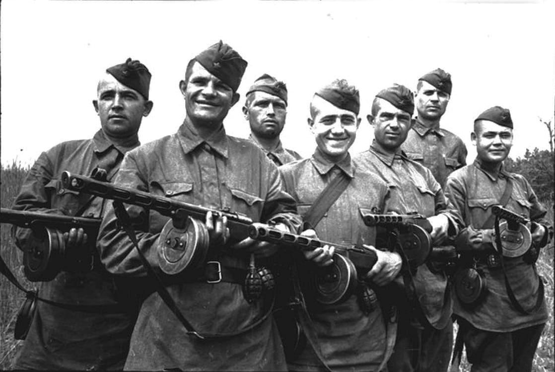 Груз прибыл в сопровождении автоматчиков НКВД