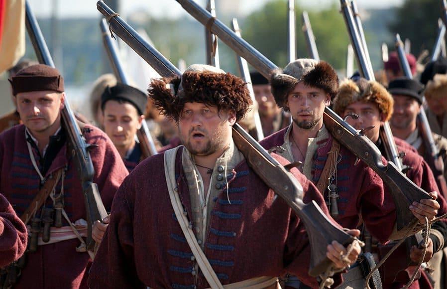 Нельзя было допустить соединения отрядов Северина и гулящих полков Бориса Годунова