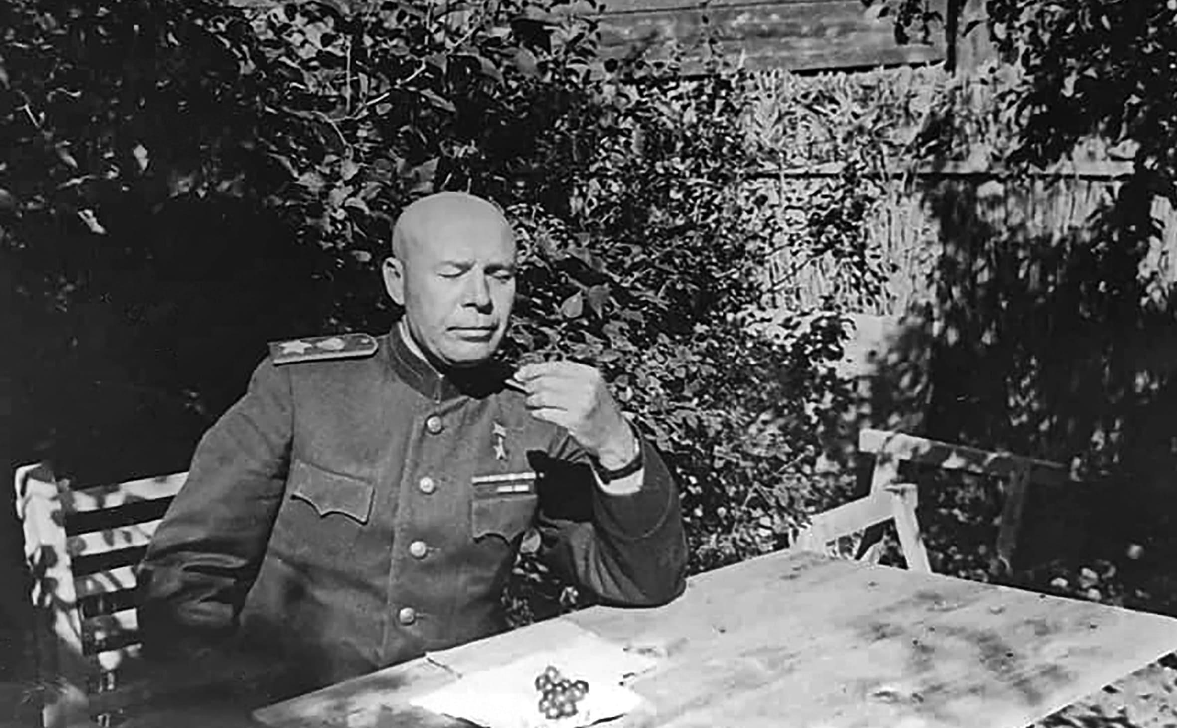 Маршал Тимошенко после войны много раз был в Бресте