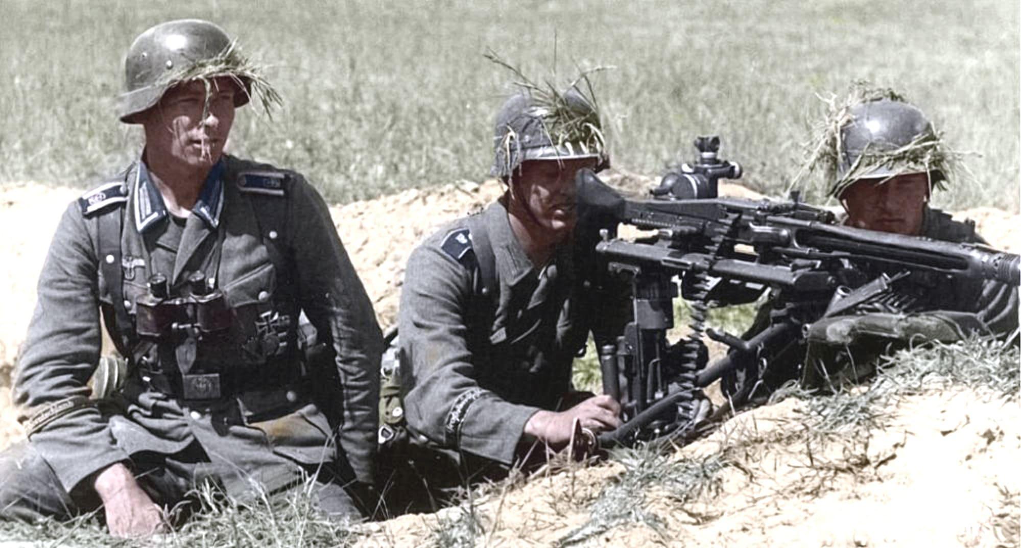 Немцы простреливали станцию из пулеметов