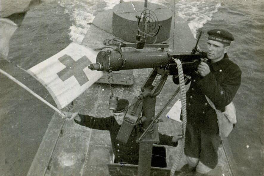 Пинская военная флотилия отбила город от первого налета