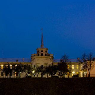 Новый замок в Гродно ночью