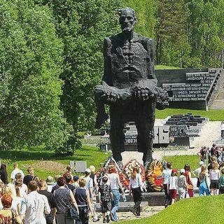 Хатынь монумент