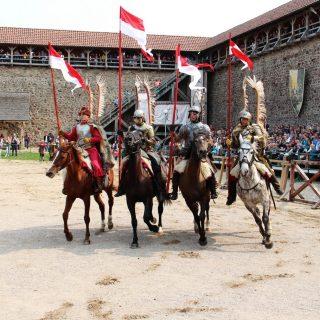 Рыцарский турнир в Лиде