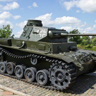 Редкий экспонат подлинник немецкого танка