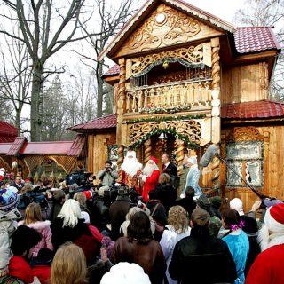 Визит Санта-Клауса из Финлядии к Деду Морозу