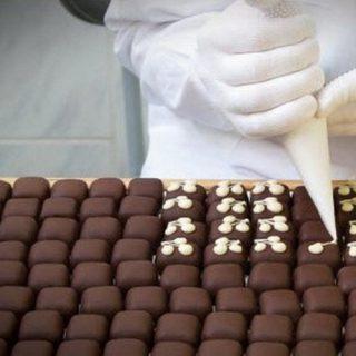 Ручное украшение конфет